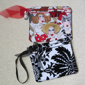 TRAILING VINES ZIPPERED CASE 5X7