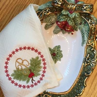 Christmas_alphabet_B_embroidery_design