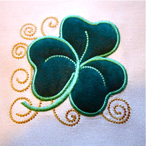 SHAMROCK APPLIQUE 4x4